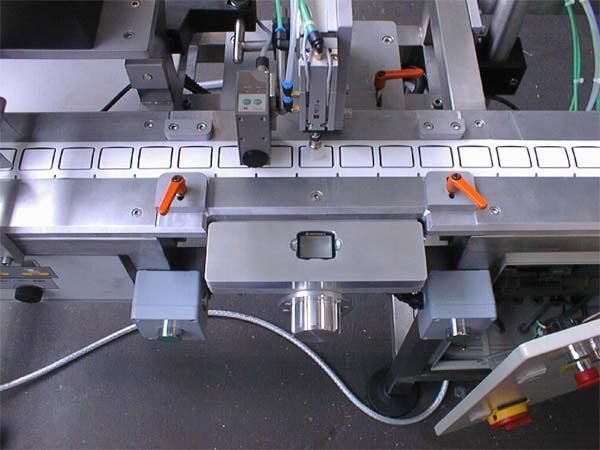 Assembly Machine for Mobile Phone Screens