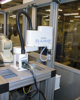 Automation Cell for Bottled Diagnostic Reagents